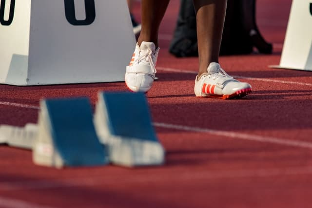 10 Tips For Choosing Athletic Shoes 2021